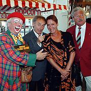 Premiere circus Louis Knie Den Haag, Karel de Rooy en vrouw, Hans Boskamp