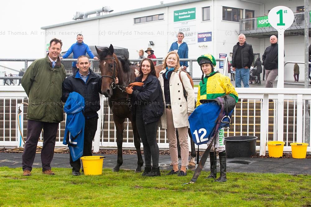 Ffos Las Racecourse, Trimsaran, Wales, UK. Sunday 16 September 2018. Luke Morris with Homing Star, winner of the westwalesproperties.co.uk Handicap (Race 7)