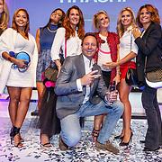 NLD/Amsterdam/20150827 - Presentatie TOVxChantal bag, Annick van Wonderen, Winonah de Jong, Sarissa Ling, Quinty Trustfull, Chantal Bles, Nicolette van Dam, Michael Ling en Leontien Borsato