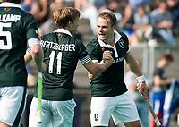 ROTTERDAM - Jeroen Hertzberger (R'dam) met Simon Egerton (R'dam)  bij de finale Rotterdam-Amsterdam van de ABN AMRO cup 2017 . COPYRIGHT KOEN SUYK