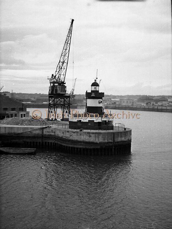 Views - North Wall Lighthouse, Dublin.01/02/1957