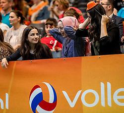 01-04-2017 NED:  CEV U18 Europees Kampioenschap vrouwen dag 1, Arnhem<br /> Turkije - Duitsland 3-0 / Support Turkije, hoofddoek, publiek