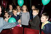 """Première familievoorstelling 'Mr Finney' in Theater Diligentia te Den Haag. De nieuwsgierige Mr Finney is gebaseerd op de bekende boekjes van Laurentien van Oranje en Sieb Posthuma. In de boeken stelt Mr Finney veel vragen over de wereld om zich heen en beleeft hij veel avonturen op zoek naar antwoorden.<br /> <br /> Premiere family show """"Mr. Finney 'Diligentia Theater in The Hague. The curious Mr. Finney is based on the famous books of Laurentien van Oranje and Sieb Posthuma. The book suggests Mr. Finney many questions about the world around him and he experiences many adventures looking for answers.<br /> <br /> Op de foto / On the photo:  Dochter Prinses Laurentien Eloise geeft interview aan SBS rechts ook haar zoon Claus-Casimir"""