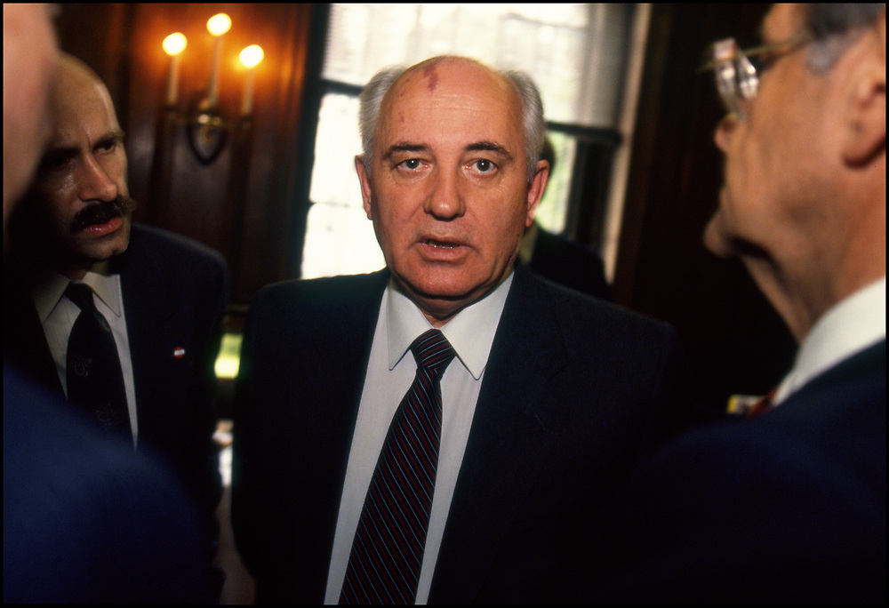 Mikhail Gorbachov at a meeting in New York City on May 12, 1992.