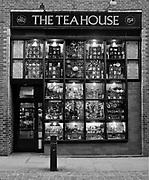 Londyn 2009-10-24. Covent Garden Market, jeden ze sklepów przy Neal Street