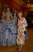 Carole Stone, Opening by Vivienne Westwood of Boucher: Seductive Visions.  The Wallace Collection. Manchester Sq. London. 29 September 2004. SUPPLIED FOR ONE-TIME USE ONLY-DO NOT ARCHIVE. © Copyright Photograph by Dafydd Jones 66 Stockwell Park Rd. London SW9 0DA Tel 020 7733 0108 www.dafjones.com