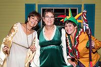Walpole Footlighters in Walpole MA presents The Savannah Sipping Society Fall 2017. Photo taken on 09-26-17