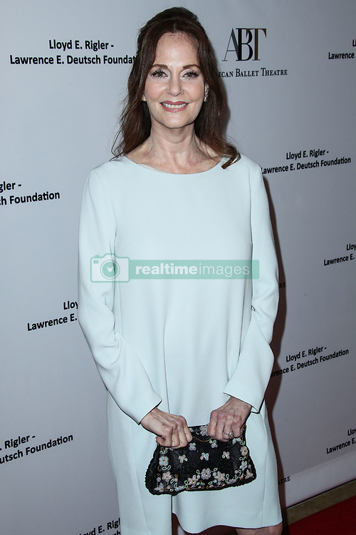 BEVERLY HILLS, LOS ANGELES, CA, USA - DECEMBER 17: Actress Jennifer Garner arrives at the American Ballet Theatre's Annual Holiday Benefit 2018 held at The Beverly Hilton Hotel on December 17, 2018 in Beverly Hills, Los Angeles, California, United States. 17 Dec 2018 Pictured: Lesley Ann Warren. Photo credit: Xavier Collin/Image Press Agency/MEGA TheMegaAgency.com +1 888 505 6342