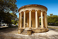 The Maitland Monument, Corfu City, Greek Ionian Islands .<br /> <br /> If you prefer to buy from our ALAMY PHOTO LIBRARY  Collection visit : https://www.alamy.com/portfolio/paul-williams-funkystock/corfugreece.html <br /> <br /> Visit our GREECE PHOTO COLLECTIONS for more photos to download or buy as wall art prints https://funkystock.photoshelter.com/gallery-collection/Pictures-Images-of-Greece-Photos-of-Greek-Historic-Landmark-Sites/C0000w6e8OkknEb8