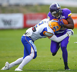 19.06.2016, FAC Stadion, Wien, AUT, AFL, AFC Vienna Vikings vs Projekt Spielberg Graz Giants, im Bild Thomas Schnurrer (Projekt Spielberg Graz Giants, LB, #2) und Islaam Amadu (Vienna Vikings) // during the AFL game between AFC Vienna Vikings vs Projekt Spielberg Graz Giants at the FAC Stadion, Vienna, Austria on 2016/06/19. EXPA Pictures © 2016, PhotoCredit: EXPA/ Thomas Haumer