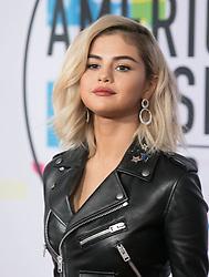 November 19, 2017 - Los Angeles, California, U.S - Selena Gomez on the Red Carpet of the 2017 American Music Awards held on Sunday, November 19, 2017 at the Microsoft Theatre in Los Angeles, California. (Credit Image: © Prensa Internacional via ZUMA Wire)