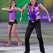 NLD/Hilversum/20110304 - Sterren Dansen op het IJs show 6, Michael Boogerd en Holiday on ice dansers
