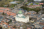 Nederland, Noord-Brabant, Gemeente Halderberge, 01-04-2016; overzicht historische binnenstad Oudenbosch.  De grote Basiliek van de H.H. Agatha en Barbara, de koepel is een (verkleinde) kopie van de koepel van de Sint-Pietersbasiliek in Rome.<br /> Oudenbosch,  well known for its 'Basiliek' a catholic church that is a smaller copy of St. Peter's church in Rome.<br /> luchtfoto (toeslag op standard tarieven);<br /> aerial photo (additional fee required);<br /> copyright foto/photo Siebe Swart