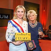 NLD/Amsterdam/20150430 - Uitreiking Mary Dresselhuys Prijs 2015, winnares Anniek Pheifer en Petra Laseur