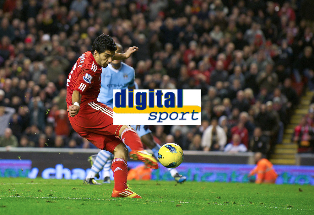 20111127: LIVERPOOL, ENGLAND - <br /> FC Liverpool vs Manchester City: English Premier League 2011/2012.<br /> In photo: Luis Alberto Suarez Diaz sees his injury-time shot saved against Manchester City.<br />  PHOTO: CITYFILES