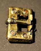 Belt buckles Gilded bronze, almandine, silver, gold, glass 2nd half 5 th century Sudrussland; Taman, Krasnodar (Rus)