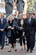 Aankomst koninklijke familie bij het Koningsdagconcert in de Philharmonie Haarlem.<br /> <br /> Arrival royal family at the Koningsdagconcert in the Philharmonie Haarlem.<br /> <br /> op de foto / On the photo: <br /> <br />  Prinses Beatrix , Prinses Laurentien en prins Pieter-Christiaan /// Princess Beatrix, Princess Laurentien and Prince Pieter-Christiaan