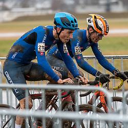 20190201: UCI CX Worlds : Dübendorf: Filippo Agostinacio and Bryan Olivio batteling shoulder to shoulder