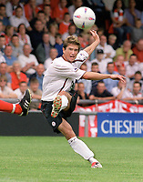 Harry Kewell (Liverpool) Crewe v Liverpool. Pre season friendly match. 19/7/2003. Credit : Colorsport/Andrew Cowie.