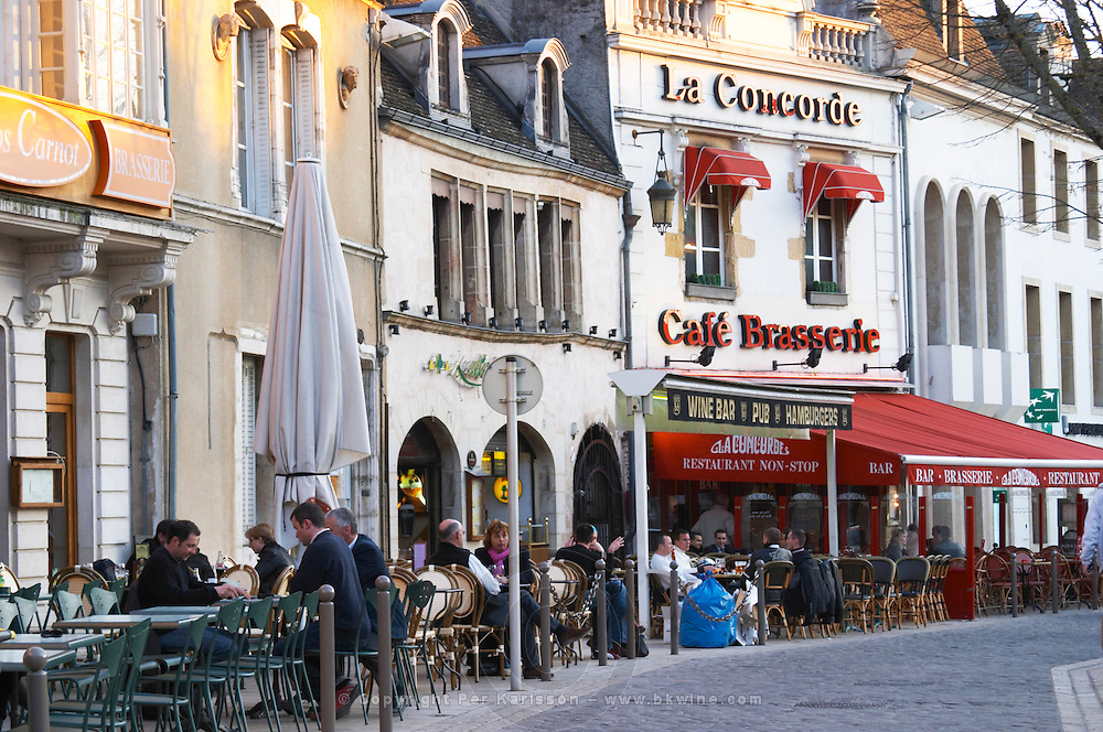 restaurant terrace pl carnot beaune cote de beaune burgundy france