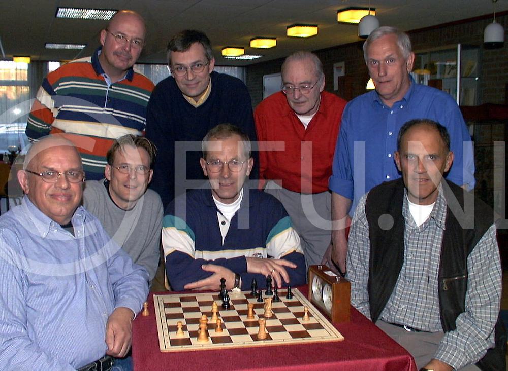 Fotografie Frank Uijlenbroek©2001/Frank Brinkman.010426 ommen ned.herv centrum schaak kampioenen.fu010426_16