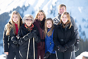 Fotosessie met de koninklijke familie in Lech /// Photoshoot with the Dutch royal family in Lech .<br /> <br /> Op de foto/ On the photo: Koningin Maxima,Prinses Amalia, Prinses Alexia en Prinses Ariane met prinses Beatrix ///// Queen Maxima,  Princess Amalia, Princess Alexia and Princess Ariane with Princess Beatrix