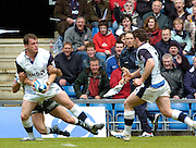 2005 European Challenge Cup Final Sale Sharks v Pau, ENGLAND, 21.05.2005, Mark Cueto, lays of the ball to Andy Tidderall who goes onto to score a try.<br /> Photo  Peter Spurrier. <br /> email images@intersport-images