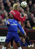 Fotball - Premier League - 18.01.2003<br /> Manchester United v Chelsea<br /> David Beckham - United<br /> Celestine Babayaro - Chelsea<br /> Foto: Richard Lane, Digitalsport
