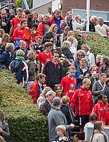 ZEIST - Hoofdklasse heren; Schaerweijde-Kampong (1-2). Coaches bij Schaerweijde; Spelers komen na de rust de trap af. Foto KOEN SUYK.