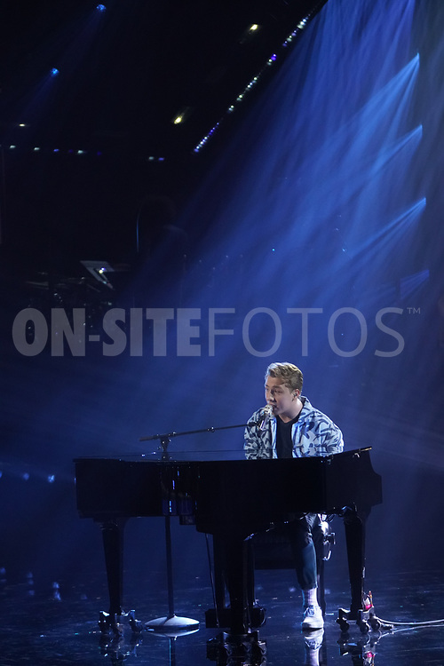 """AMERICAN IDOL – """"415 (The Comeback)"""" – A special episode of """"American Idol"""" featuring """"comeback contestants"""" airs MONDAY, APRIL 19 (8:00-10:00 p.m. EDT), on ABC. (ABC/Eric McCandless)<br /> LOUIS KNIGHT"""