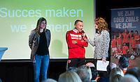 AMSTERDAM - Barbara Barend in gesprek met Kim Lammers en Dennis Gebbink . Zij  presenteert het  KNHB Symposium Train de Trainer, voor trainer, coach , begeleider binnen het aangepaste hockey. Dit alles in het Ronald MacDonald Centre in Amsterdam. COPYRIGHT KOEN SUYK