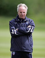 Photo: Paul Thomas.<br /> England Training Session. 01/06/2006.<br /> <br /> Sven Goran Eriksson.