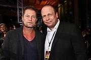 Boxen: German Boxing Edition, Hamburg, 21.12.2019<br /> Schauspieler Till Schweiger (l.) mit Promi-Koch und Box-Manager Michael Wollenberg<br /> © Torsten Helmke