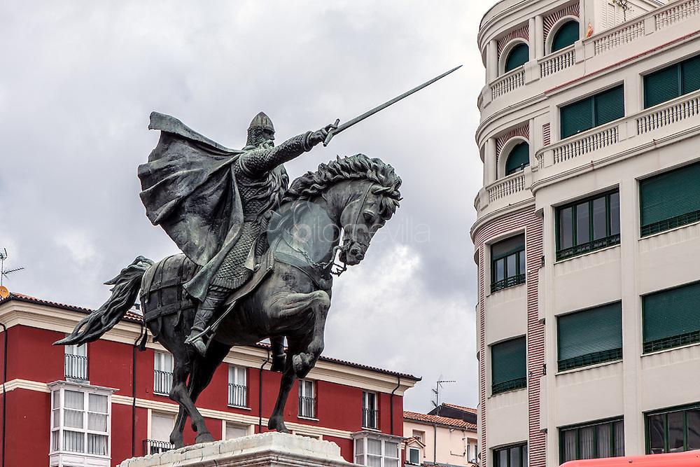 Estatua ecuestre. El Cid Campeador con su espada Tizona y su caballo Babieca. Burgos. Castilla y Leon. España. Europa ©Javier Abad / PILAR REVILLA