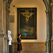 The Salvador Dali's painting has been re-hung at Kelvingrove Art Gallery , Glasgow, Scotland, being unveiled by Glasgow Lord Provost Liz Cameron, June 2006. The masterpiece of the Spanish surrealist artist shows the figure of Christ on the cross from above.<br />