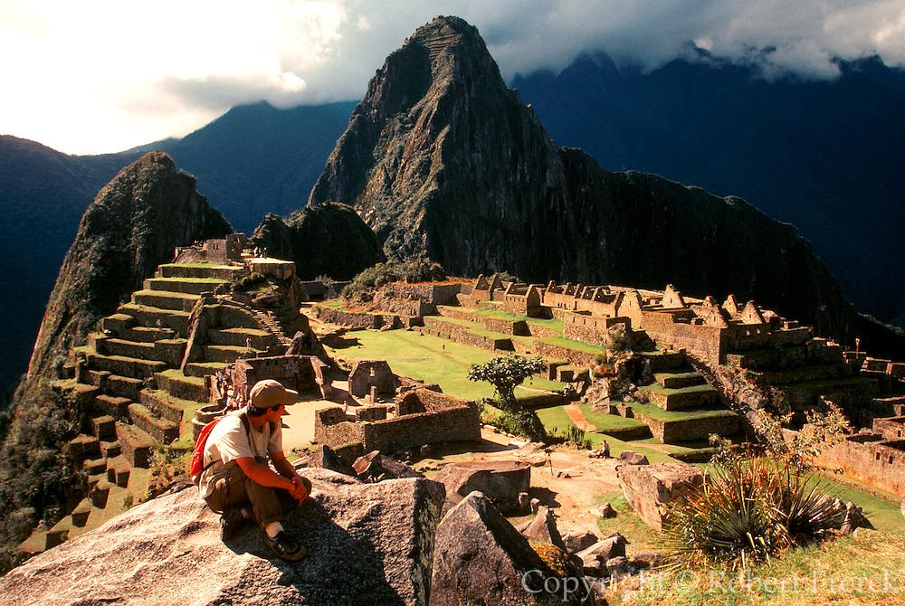 PERU, PREHISPANIC, INCA Machu Picchu; hikers on Inca Trail