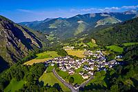 France, Pyrénées-Atlantiques (64), Pays Basque, le village de Larrau// France, Pyrénées-Atlantiques (64), Basque Country, Larrau village