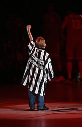 30-12-2002 BASKETBAL: HBW FINALE RICOH ASTRONAUTS - RACING BASKET ANTWERPEN: HAARLEM<br /> Young Referee<br /> ©2002-WWW.FOTOHOOGENDOORN.NL