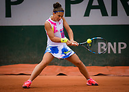 Sara Errani of Italy in action during the first round at the Roland Garros 2020, Grand Slam tennis tournament, on September 28, 2020 at Roland Garros stadium in Paris, France - Photo Rob Prange / Spain ProSportsImages / DPPI / ProSportsImages / DPPI