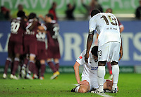 Fotball<br /> Tyskland<br /> 29.04.2011<br /> Foto: Witters/Digitalsport<br /> NORWAY ONLY<br /> <br /> 2:0 Jubel Kaiserslautern, Enttaeuschung v.l. Ralph Gunesch, Gerald Asamoah (St. Pauli)<br /> Bundesliga, 1. FC Kaiserslautern - FC St. Pauli 2:0