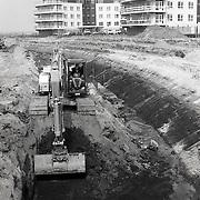 NLD/Huizen/19920407 - Start afgraven van aanleg haven Gooierhoofd in Huizen