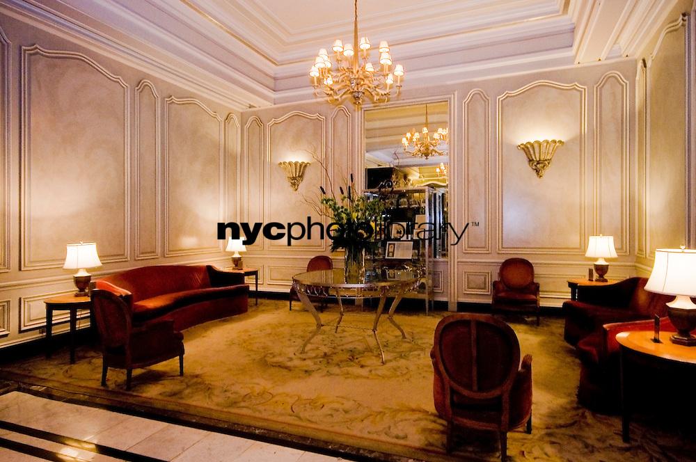 Lobby at 2109 Broadway