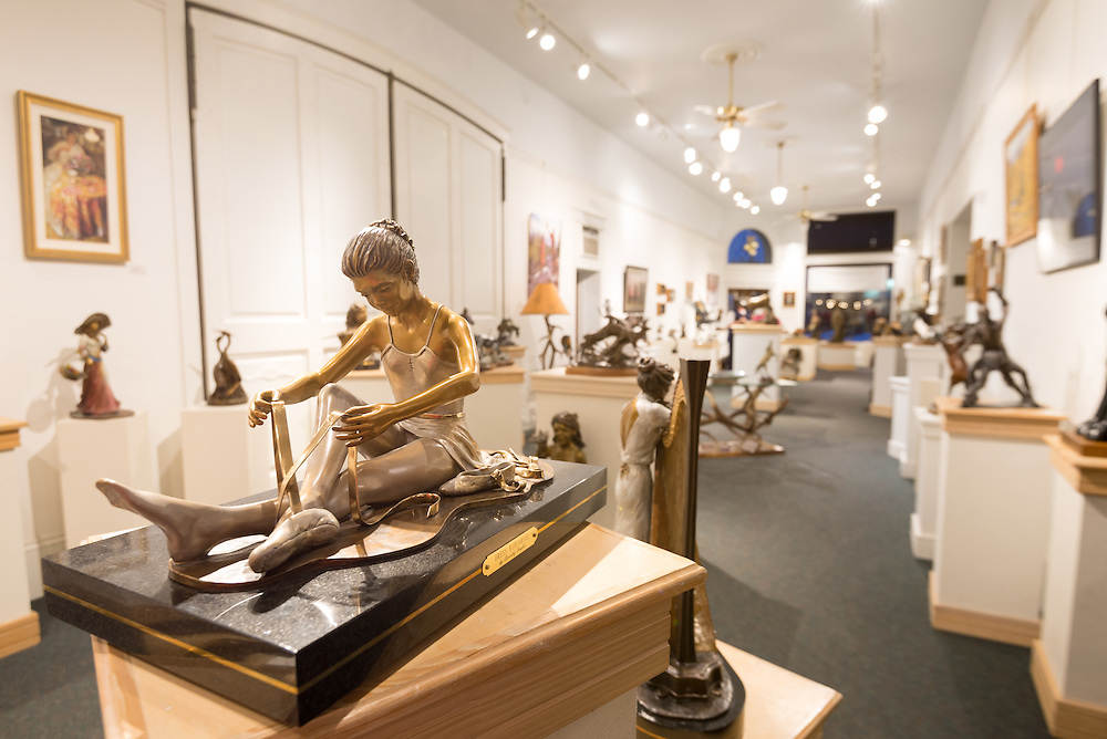 Bronzes and paintings in Valley Bronze Gallery, Joseph, Oregon.