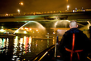 Charenton. Paris, France. 6 Mai 2009..Brigade Fluviale de Paris..1h20 Intervention sur un feu electrique sous le pont de Charenton..Charenton. Paris, France. May 6th 2009..Paris fluvial squad..1:20 am Intervention on a fire under a bridge...