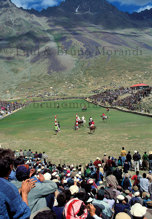 Pakistan, Le Polo des Rois, Tournoi de Polo le plus haut du monde au col de Shandur à 3800 m d'altitude entre les anciens royaumes de Chitral et de Gilgit, Les matchs se deroulent sur deux jours  // Pakistan, Khyber Pakhtunkhwa, polo tournament at Shandur Pass at an altitude of 3800 m between Chitral and Gilgit team