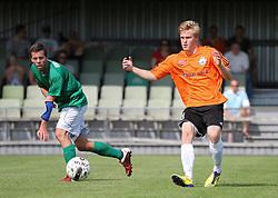 Frederik Frick (FC Helsingør) og Casper Windfeld (Avarta) under kampen i 2. Division Øst mellem Boldklubben Avarta og FC Helsingør den 19. august 2012 i Espelunden. (Foto: Claus Birch).