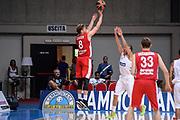 DESCRIZIONE : 3° Torneo Internazionale Geovillage Olbia Sidigas Scandone Avellino - Brose Basket Bamberg<br /> GIOCATORE : Lucca Staiger<br /> CATEGORIA : Tiro Tre Punti Three Point Controcampo<br /> SQUADRA : Brose Basket Bamberg<br /> EVENTO : 3° Torneo Internazionale Geovillage Olbia<br /> GARA : 3° Torneo Internazionale Geovillage Olbia Sidigas Scandone Avellino - Brose Basket Bamberg<br /> DATA : 05/09/2015<br /> SPORT : Pallacanestro <br /> AUTORE : Agenzia Ciamillo-Castoria/L.Canu