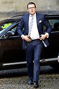 Koning reikt Erasmusprijs 2015 uit . De Erasmusprijs wordt jaarlijks toegekend aan een persoon of instelling die binnen het kader van de culturele tradities van Europa een belangrijke bijdrage heeft geleverd op het gebied van cultuur, humaniora of sociale wetenschappen.<br /> <br /> King awarded the Erasmus Prize 2015. The Erasmus Prize is awarded annually to a person or institution that has made a significant contribution within the framework of the cultural traditions of Europe in the field of culture, humanities or social sciences.<br /> <br /> Op de foto / On the photo: <br /> <br />  Prins Constantijn