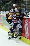 29.03.2011, Kloten, Eishockey NLA Playoff, Kloten-Flyers - SC Bern, Samuel Walser (KLO) gegen Ryan Gardner (BER)  (Thomas Oswald/hockeypics)