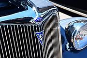 Ford V8 crest.
